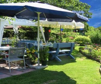 Biesiadne ławy ogrodowe